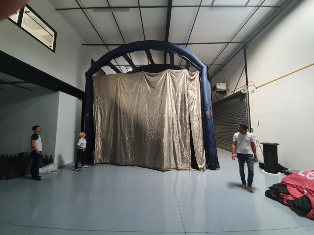 Large Faraday cage setting-up (but not the largest...)